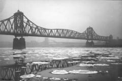 Der Rhein bei Baerl im Winter 1928